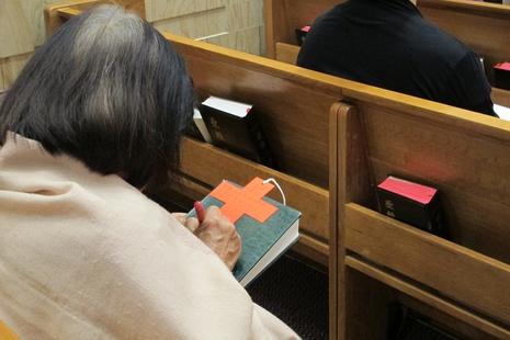 香港信徒光榮聖十架節祈禱請願,牧者為強拆感痛心