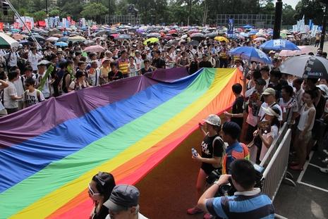 教會團體反對同性伴侶納取骨灰資格,對建議有保留
