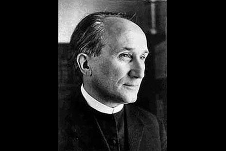 深遠影響教宗方濟各思想的神學家與小說家