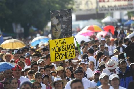 教宗指真福羅梅洛曾受神職「誹謗」,死後繼續殉道
