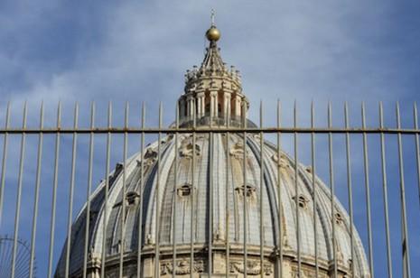 「梵蒂崗洩密」案開審,記者被告抗辯稱擁有新聞自由 thumbnail