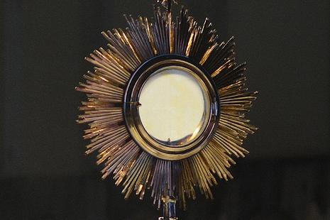 逾二百個遭盜竊的聖體在西班牙一個藝術展被褻瀆 thumbnail