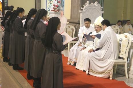 濟南教區修女慈悲禧年宣發永願,倍感天主聖心恩寵