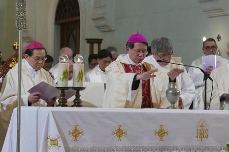 李斌生主教在澳門教區舉行他的首個聖油彌撒
