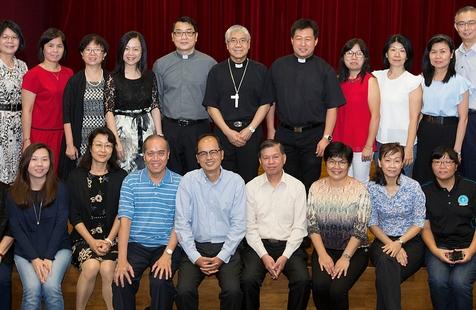 新加坡神學院首辦中英畢業禮,總主教籲與主加深關係