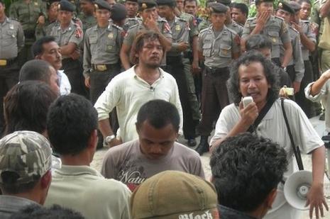 印尼群眾呼喚神父參選公職,望締造廉潔政治環境 thumbnail