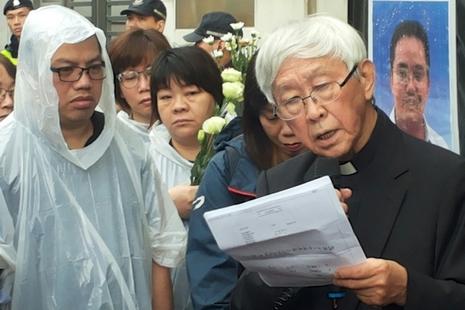 香港教友聯署呈教宗,籲為中國強拆十架及失蹤主教祈禱
