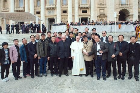 教宗接見來自中國大陸的一批堂區神父