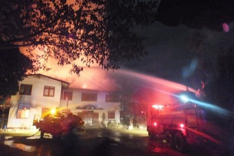 泰國寄宿學校大火導致十七人死亡