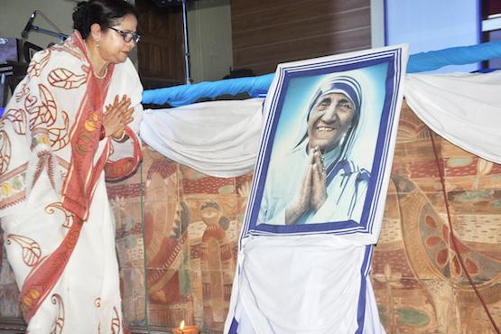 亞洲教會慶祝德蘭修女宣聖,教友見證聖人的慈悲
