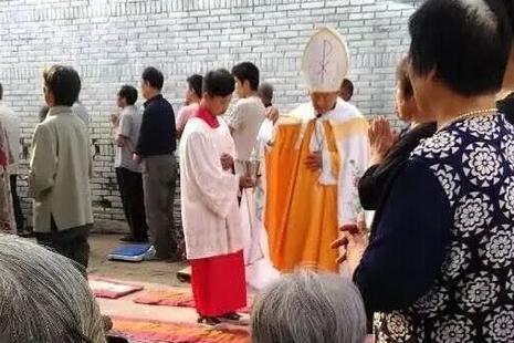 【評論】從祝聖鬧劇看中國教會合一危機