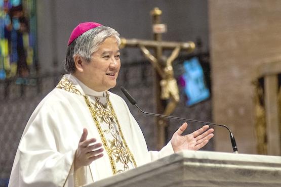 菲律賓主教團主席籲教友不單祈禱,還要照顧弱小的人