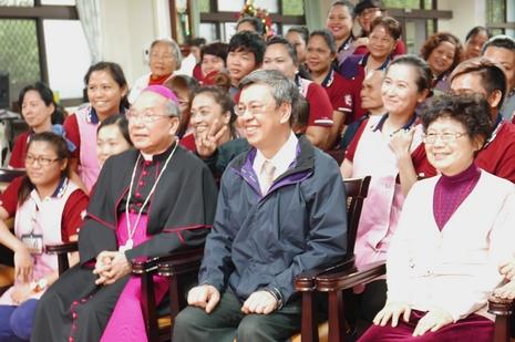 陳建仁出席聖誕點燈儀式,順道拜會榮休葉勝男總主教
