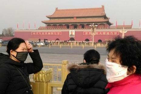 中國跨年霧霾連日不散,惟全民覺醒之路仍遙
