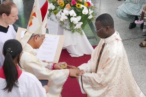 聖言會首位多哥神父,受聖福若瑟感召服務華人