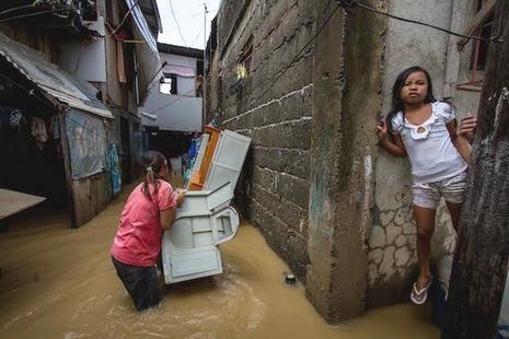 菲律賓主教團歡迎國家簽署法案保護災難中的兒童
