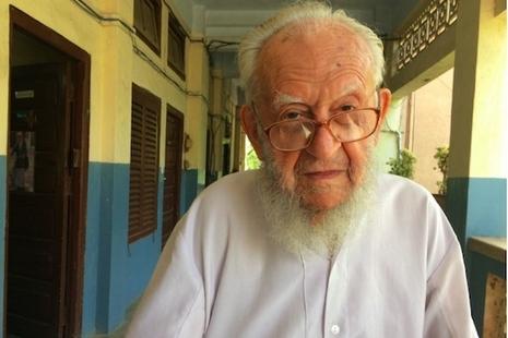 百歲傳教士不與社會脫節,每天閱報了解時事