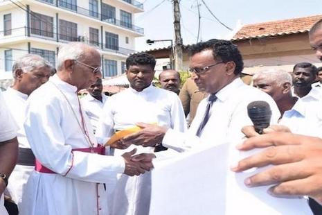 斯里蘭卡泰米爾天主教徒在復活節期間繼續抗議行動 thumbnail