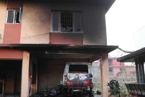 尼泊爾首都主教座堂在復活主日後遭緃火