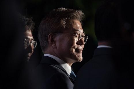 南韓再誕生天主教徒總統,文在寅得票逾四成當選