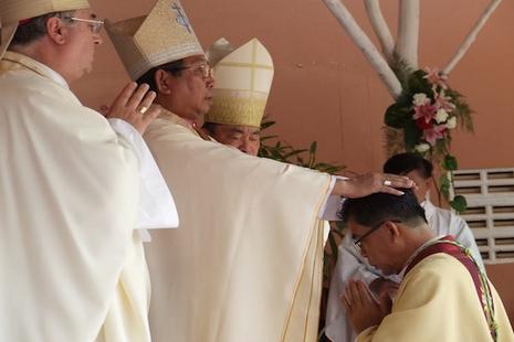 来自宗座的惊喜任命:老挝迎来首位枢机 thumbnail