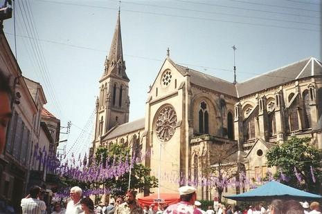 【特稿】教會如何迎接遊客到訪宗教場所