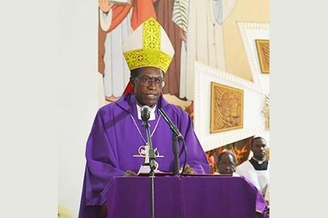 新屍檢結果反駁喀麥隆主教的謀殺論