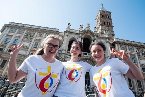 世界青年節和以青年為題的主教會議在羅馬同步準備