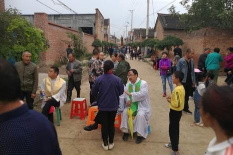 政府強拆已歸還長治教區房產,有神父及教友被打傷