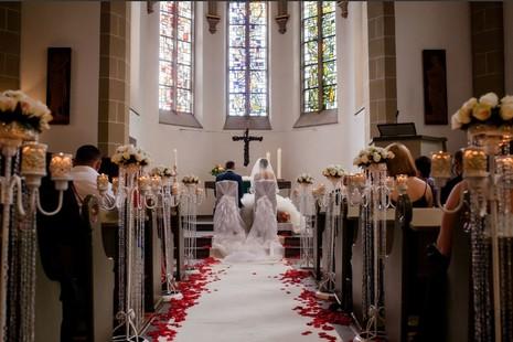 加拿大修女获罗马授权为天主教婚礼担当证婚人 thumbnail
