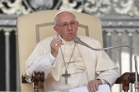 教宗在新書鼓勵傳統婚姻