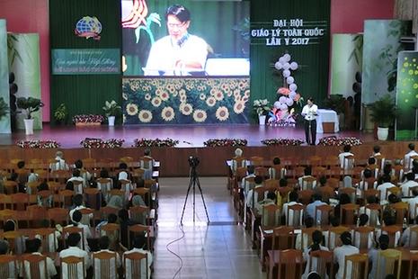 越南主教希望傳道員聆聽和與別人對話