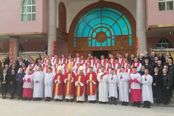 蘭州教區韓志海主教公開就職,有神父不贊成而沒參與