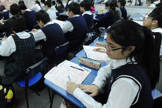 香港歷史教科書將刪除六四事件,而多教中國皇朝末落史