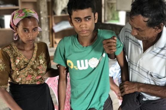 緬甸首府難民營,羅興亞青少年因營養不良日漸消瘦