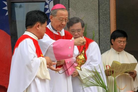 教区跟从台中荣休主教生前遗愿,葬礼一切从简