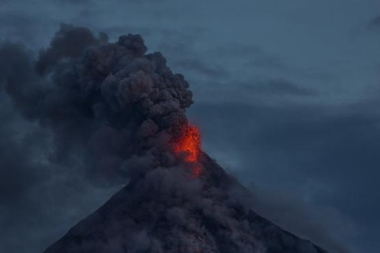 菲律宾火山喷发,教会领袖呼吁救援