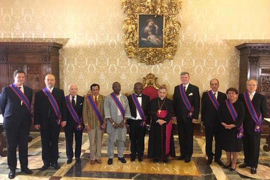 梵蒂岡授予台灣大使騎士勳章