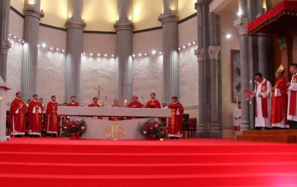 承德非法主教主教府启用祝圣,八位合法主教出席共祭