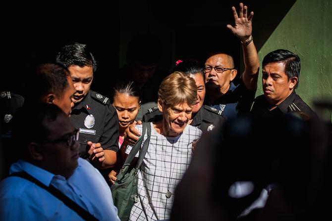 讓菲律賓總統杜特爾特七孔生煙的澳洲修女
