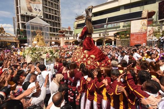 菲律賓教會隆重慶祝童貞聖母像抵菲四百周年
