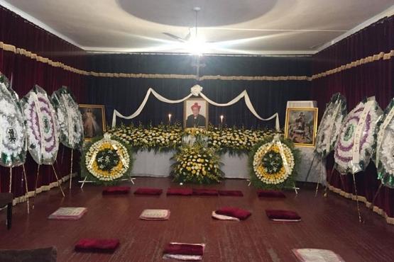青岛教区公开主教李明述逝世,其殡葬礼消息遭全面管控