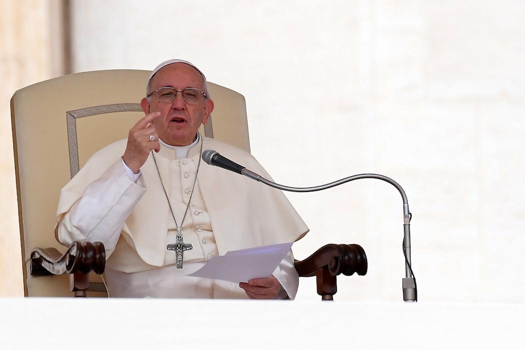 教宗提出警告,講八卦如何摧毀天主的工程