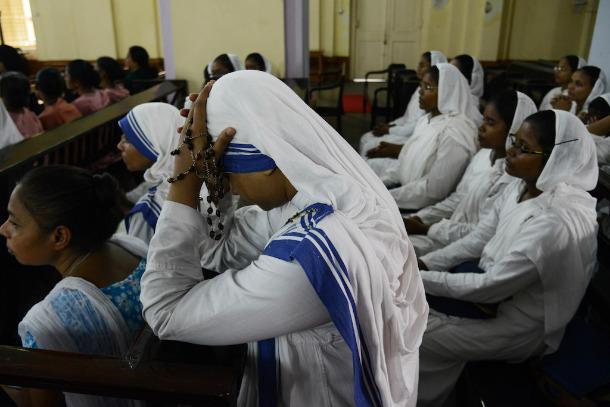 印度官員尋求方法以凍結德蘭修女的修會銀行戶口