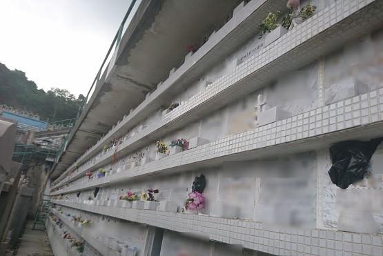【更新】教會墳場龕位遭破壞,教區願承擔維修費減家屬憂慮