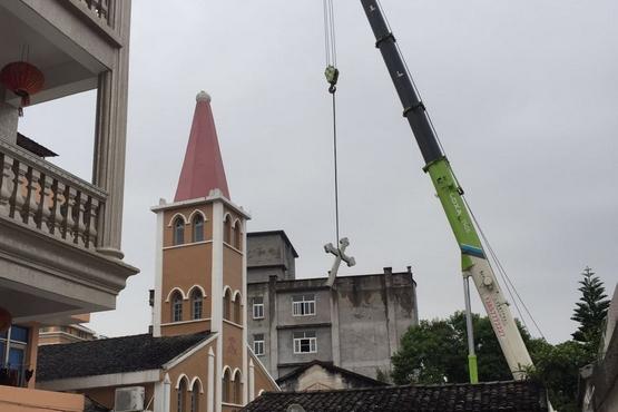 中國教會三個教區的建築遭拆除,教友感無助無望