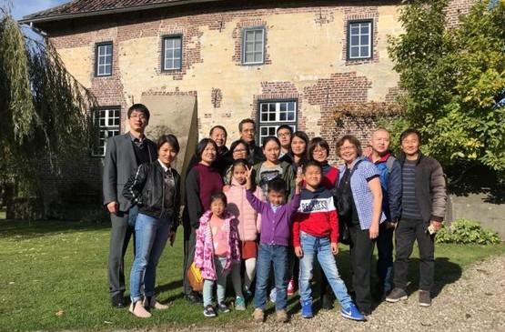 荷蘭華裔神父組織首個華人朝聖團,往紀念在華殉道荷蘭主教