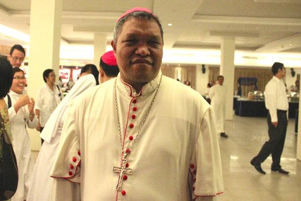 教會給予醜聞纏身的印尼主教第二次機會