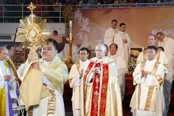 斐洛尼樞機代表教宗出席台灣聖體大會,鼓勵教友積極傳教