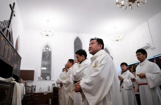 河南天主教發布教職人員審核表,教友指措施等同於政治篩選
